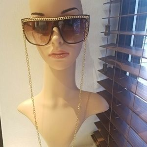 Retro brown square glasses with gold  chain detail